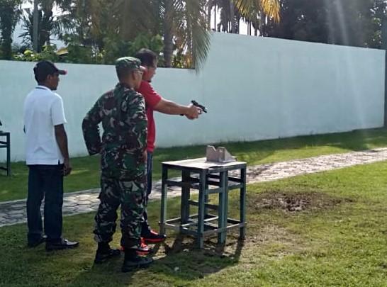 Perkuat Sinergitas, Ketua MS Kutacane Ikuti Latihan Menembak Bersama Forkopimda AGARA